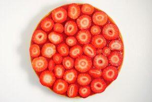 Erdbeer-Tarte mit Pistaziencreme und Sesam-Mürbeteig_Erdbeeren